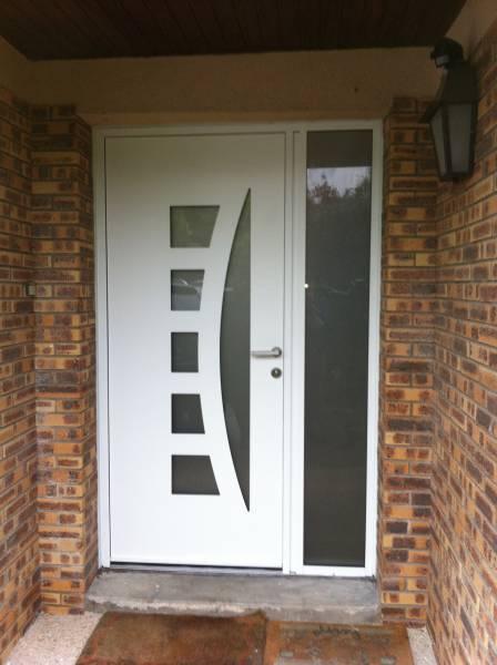 Chantier porte entr e alu kline en d pose totale yvelines for Installation d une porte d entree