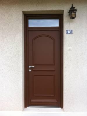 Porte d 39 entr e alu marron textur kline mod le arc for Porte de service isolante alu