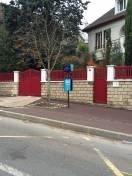 Portail et clôture contemporaine rouge 3004
