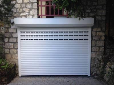 Volet roulant de garage somfy volet garage yvelines for Volet roulant electrique porte de garage