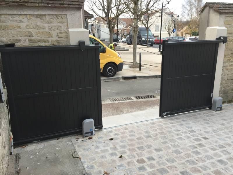 Portail alu 78 portail automatique portail lectrique yvelines portail design for Portail motorise coulissant