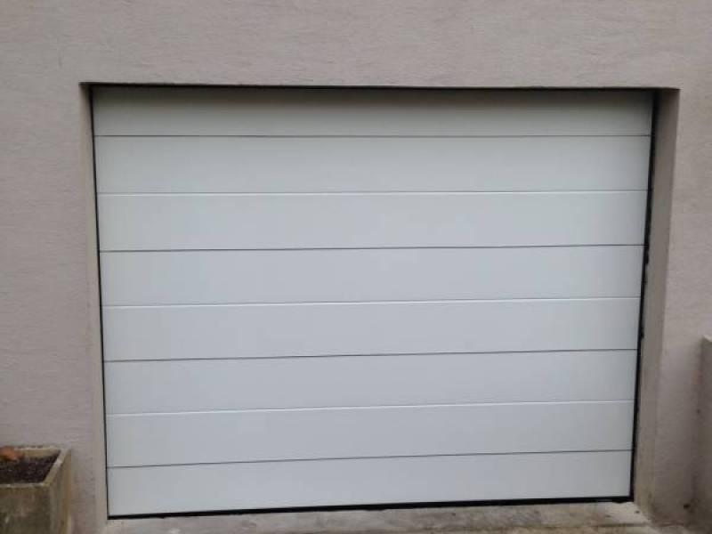 Porte de garage 78 porte sectionnelle automatique yvelines porte lectrique de garage 78 for Porte de garage grise la rochelle