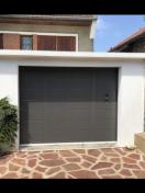 porte de garage coulissante latérale SIB de modèle Jersey installée à Maison-Laffite
