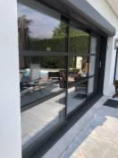 baie vitrée coulissante K-LINE installée à Chapet