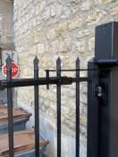 Groom frein de porte extérieur sur portillon en ALU
