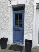 Porte entrée bois ATULAM vitrée bleue 78