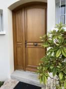 Porte entrée style bois cintrée avec semi fixe 1