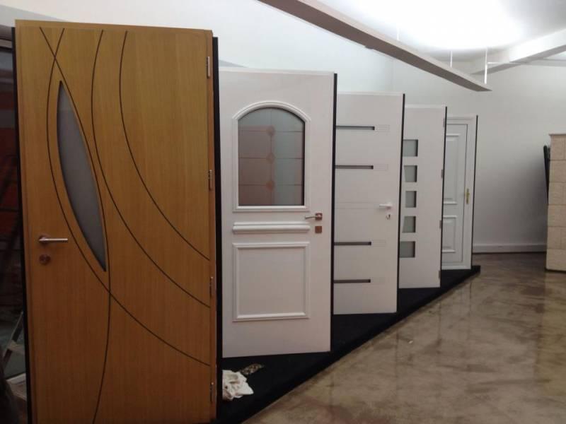 magasin de menuiseries showroom fenetres artisan remplacement fenetre devis fenetre 78. Black Bedroom Furniture Sets. Home Design Ideas